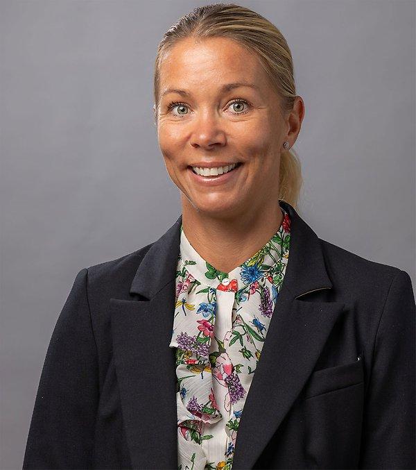Anna-Klara-Lindholm-kontaktkort.jpg